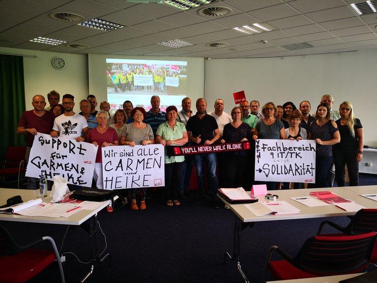 Teilnehmer*innen der Bezirksfachbereichskonferenz 9 zeigen sich solidarisch mit den Kolleg*innen der Celenus Klinik Bad Langensalza